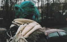 How to achieve this dark teal/green colour?  HairCrazy.info