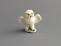 This snowy owl comes from Set 9 North American Animals of the first whimsies series produced during the period 1958 1961 The figure measures 1 Irish English, North American Animals, Red Rose Tea, Mini Things, Snowy Owl, Collectible Figurines, My Collection, Some Pictures, Vintage Toys