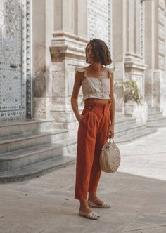 Cute vacation outfit with an Italian touch and Zara linen trousers. Summer Fashion Outfits, Boho Outfits, Spring Summer Fashion, Style Summer, Boho Spring Outfits, Fashion Ideas, Bohemian Dresses, Beach Outfits, Summer Chic
