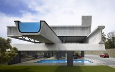 Show Your Bones: Architecture That Wears Structure On The Outside