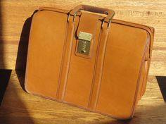 Vintage Coach British Tan Leather Triple Gusset Briefbag Trial Case Laptop Ipad Case Bag # 5420 Made in U.S.A. 1994
