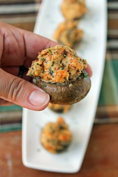 These Turkey Sausage Stuffed Mushrooms are hearty, savory and perfect for football food or a fall or winter party or potluck! Each piece is only 57 calories or 1 Weight Watchers Freestyle SmartPoint! Healthy Appetizers, Appetizer Recipes, Healthy Snacks, Weight Watchers Appetizers, Weight Watchers Meals, Skinny Recipes, Ww Recipes, Healthy Stuffed Mushrooms, Football Snacks
