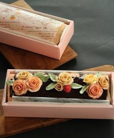 Buttercream Flowers, Buttercream Cake, Trifle, Swiss Roll Cakes, Yule Log Cake, Cake Roll Recipes, Sweet Coffee, Valentine Cake, Sweet Cakes