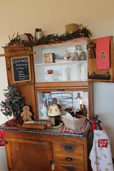 1000 images about farmhouse christmas style on pinterest for Christmas decorating ideas for kitchen cabinets