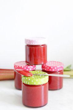Rezepte mit Herz: Erdbeer - Rhabarber - Marmelade mit Tonkabohne ♡