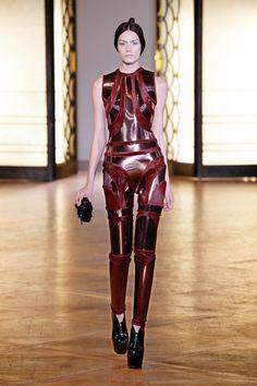 Iris Van Herpen (Hybrid Holism Haute Couture)