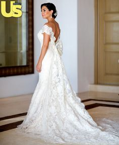 Mario Lopez's new wife Courtney Mazza, her wedding dress was beyond gorgeous, I love it!
