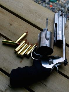 Smith and Wesson .460.