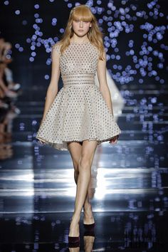 Zuhair Murad Fall-winter 2015-2016, official pictures - Couture - http://www.flip-zone.com/fashion/couture-1/fashion-houses/zuhair-murad-5714