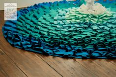 How to make a no sew ombre ruffled tree skirt.DIY Show Off ™ – DIY Decorating and Home Improvement Blog