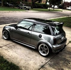 Mini Cooper s - Mini Cooper - Cars Mini Cooper S, Mini Cooper Custom, Cooper Car, Neon Nike Shoes, Nissan Sunny, Dream Cars, My Dream Car, Mini Clubman, Mini One