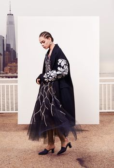Oscar de la Renta Pre-Fall 2018 Collection Photos - Vogue