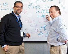 Los físicos encuentran una solución a la barrera crítica de la fusión nuclear  Los científicos del Laboratorio de Física del Plasma de Princeton Luis Delgado-Aparicio y David Gates han encontrado una explicación teórica a las burbujas que aparecen en el plasma y que impiden alcanzar la densidad necesaria para permitir funcionar a los reactores con eficiencia.