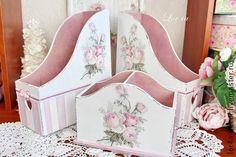 *caja Napkin Decoupage, Decoupage Box, Decoupage Vintage, Shabby Chic Crafts, Vintage Shabby Chic, Vintage Farmhouse, Cute Crafts, Diy And Crafts, Cardboard Box Crafts