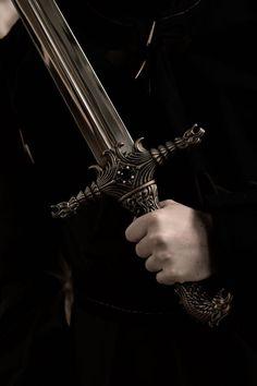 Queen Aesthetic, Princess Aesthetic, Book Aesthetic, Character Aesthetic, Medieval Fantasy, Dark Fantasy, Mythos Academy, Yennefer Of Vengerberg, Arte Obscura