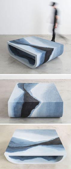 O designer Fernando Mastrangelo criou a coleção Escape, um grupo de peças de mobiliário moderno, como esta mesa de café, que são feitas usando areia e sílica pintadas à mão para criar formas simples que parecem uma pintura de paisagem tridimensional.