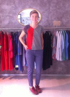 Maud porte le pantalon Mykonos et le top Hyères. www.collection66.com Mykonos, Capri Pants, How To Wear, Fashion, Moda, Capri Trousers, Fashion Styles, Fasion