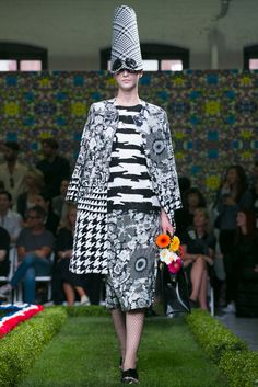 Vanessa Friedman: Here, Thom Browne proved there are no limits to what you can do with a simple shape. (Photo: Nowfashion)