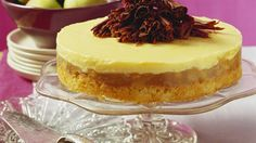 Klassisch cremig und trotzdem fruchtig Apfeltorte mit Eierlikörcreme   http://eatsmarter.de/rezepte/apfeltorte-mit-eierlikoercreme