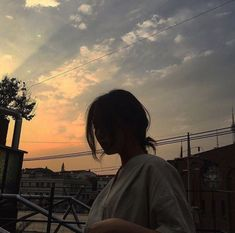 Image about girl in aesthetics 🕊 by ulzzang on We Heart It - aesthetic girl Tumblr Photography, Girl Photography Poses, Fashion Photography, Selfie Photography Ideas, Morning Photography, Photography Tours, Ft Tumblr, Sunset Tumblr, Photographie Portrait Inspiration