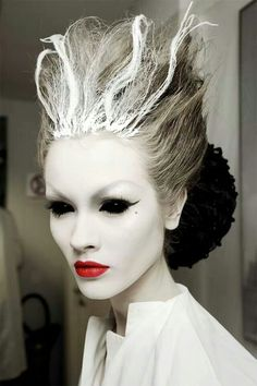 Awesome White Witch Makeup