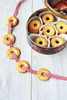 Vaniljekranse ✮ Danish Butter Cookies Recipe!.