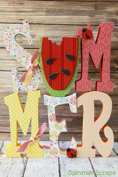 This Summer Letter Set is the perfect summer craft to display in your home. The bright colors remind me of summertime.