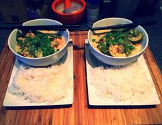[Homemade] Coconut Curry with Salmon Prawns Chestnut Mishrooms Courgette & Mange Tout served with Coriander & Basmati Rice.