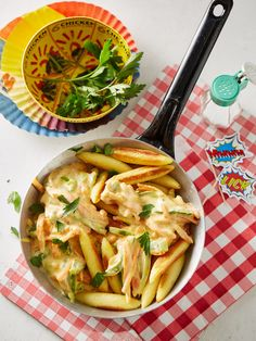 Schupfnudeln mit Gemüse Iftar, Food Hacks, Coco, Pasta Salad, Healthy Eating, Healthy Food, Food And Drink, Yummy Food, Lunch