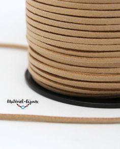 cordon suédine de couleur beige pour créer des bracelets fantaisie