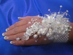 crystal wrist corsage | ... Wedding Fabrics :: Wrist Corsage :: Pearl & Crystal Wrist Corsage