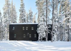 Mork-Ulnes completes California ski chalet coated in black tar
