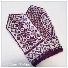 Ravelry: Stjernekor pattern by Marianne Skjelstad Knitted Mittens Pattern, Fair Isle Knitting Patterns, Crochet Mittens, Knitting Charts, Knitted Gloves, Knitting Stitches, Knitting Socks, Hand Knitting, Knit Crochet