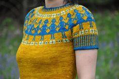 paperdolls sweater... love it! http://www.pinterest.com/helendardik/i-d-wear-this-in-a-heart-beat/