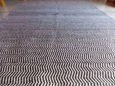 Chevron http://www.laszainas.com.ar/alfombras/alfombras-de-diseno/alfombras-chevron/