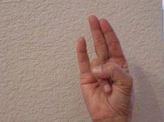Les mudras ou « yoga des doigts » sont des positions des mains et des doigts qui…