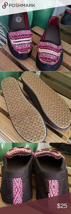 Sanuk Embroidered Aztec Fabric Loafers SIZE: 7  Fabric Upper Rubber Soles  CONDITION: NWT  Sanuk black fabric loafers with embroidered and silver toned studded vamp Strip of embroidery down back side of heel Cushioned insole Sanuk Shoes Flats & Loafers