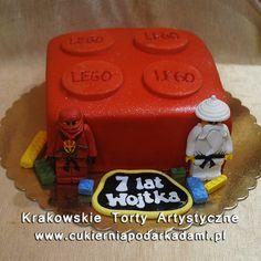 126. Tort czerwony klocek lego. Red Lego block cake.