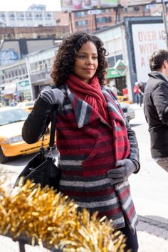 Robin aka Sanaa Lathan ... She's so beautiful with child, and can cook up a storm!!!