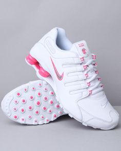 quality design 9f4d7 1eb5f I sooo love these shox Nike Shox Nz, Botas De Lluvia, Athletic