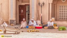 Omani Street life, Nizwa Souk. credit: Krishnakumar - Like us on.fb.me/1pND9Ev