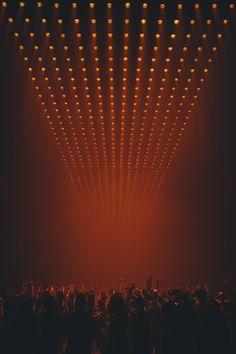 the life of pablo tour Saint Pablo, Event Lighting, Stage Lighting, Poster Background Design, Background Images, Dark Fantasy Art, Kanye West Wallpaper, Concert Stage Design, Concert Lights