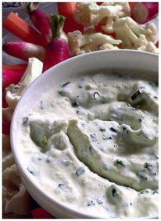 Basisrecept : tartaarsaus Pesto Sauce, Pesto Hummus, Pesto Dip, Marinade Sauce, Juice Plus, Dutch Recipes, Tapenade, Fish And Seafood, Tapas