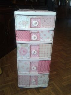 Diy Beauty Salon Shabby Chic Ideas For 2019 Shabby Chic Crafts, Shabby Chic Kitchen, Shabby Chic Decor, Cardboard Box Crafts, Plastic Drawers, Craft Room Storage, Decoupage, Sewing Rooms, Paper Decorations