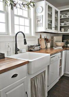 50 elegant farmhouse kitchen decor ideas (32)