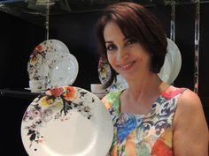 Claudia Matarazzo, na Maison Freitas em Fortaleza, por ocasião da primeira venda de sua linha Aquarela - Claudia Matarazzo da Porcelana Schmidt.