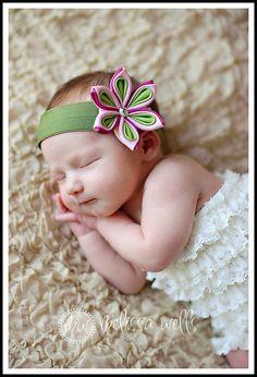 Large Triple Starlet Kanzashi Hair Clip by SoSaucy Diy Ribbon Flowers, Cloth Flowers, Kanzashi Flowers, Ribbon Art, Satin Flowers, Fabric Flowers, Kids Hair Clips, Kanzashi Tutorial, Ribbon Embroidery Tutorial