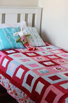 Bondville: Bondville Big Girls' Bed