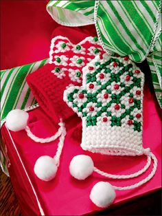 Christmas Traditions in Plastic Canvas ~ cute ornament or place setting...slide a gift card or money inside!