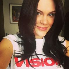 Jessie J; because she can make any hairstyle look beautiful Hairstyle Look, Cool Hairstyles, Jessi J, Bae, Vision Street Wear, Beautiful People, Beautiful Women, Cute Beauty, Good Hair Day